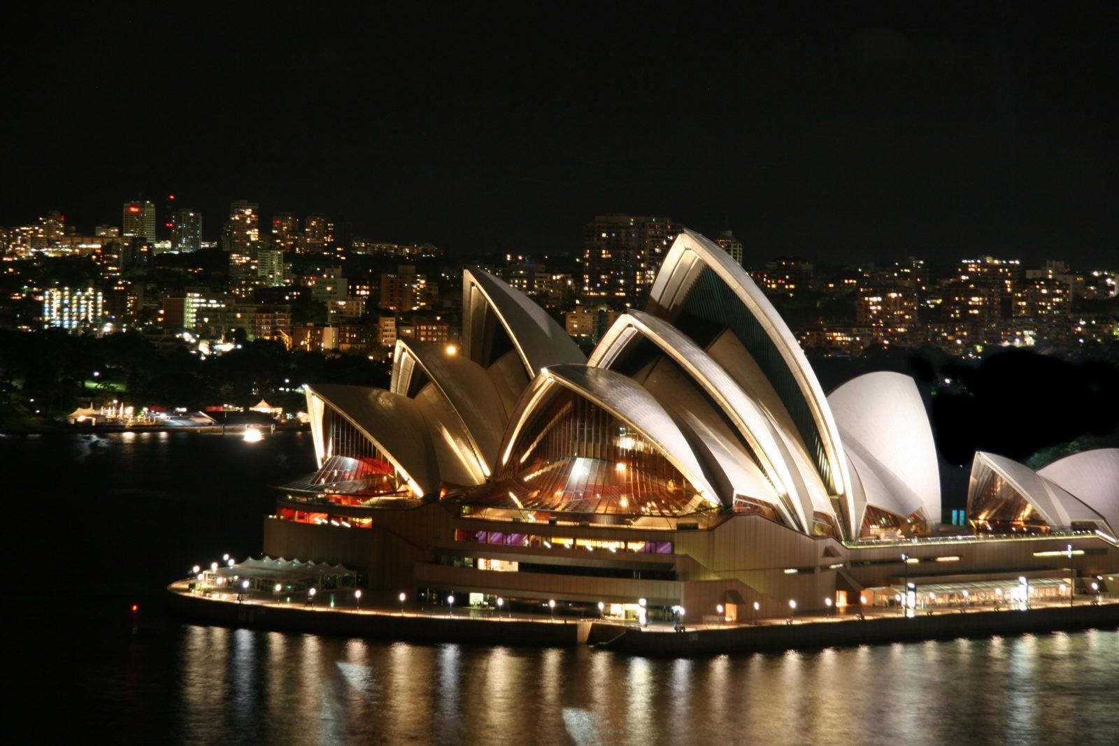 Отношения с Австралийцем